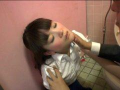 泥酔美女を公衆便所に連れ込んでセックスするレイプ魔がハメ撮り映像を公開www